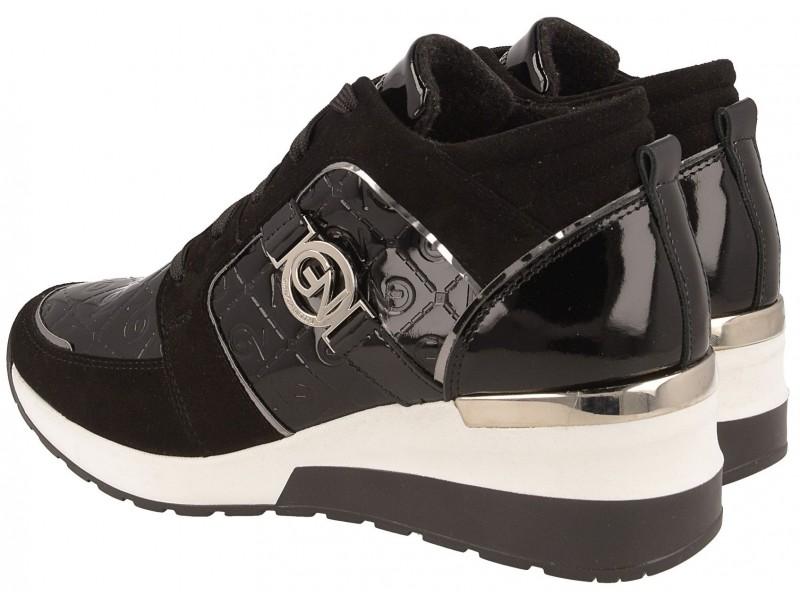Czarne sneakersy damskie wykonane z wysokiej jakości skóry