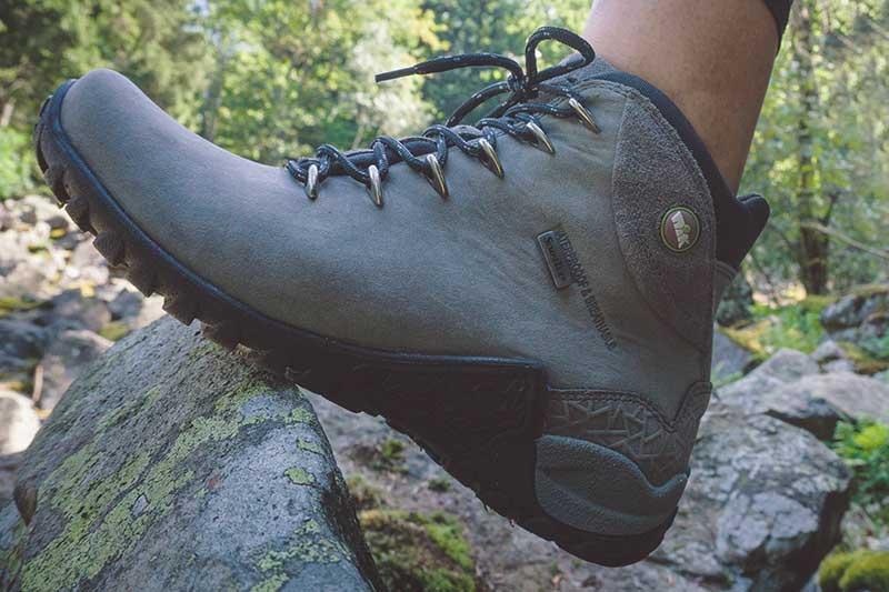trekkingi damskie , obuwie w góry